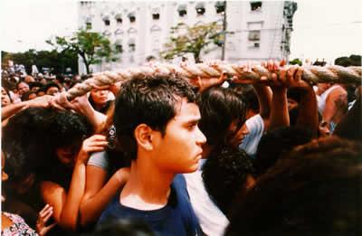 Resultado de imagem para fé 1999 documentário